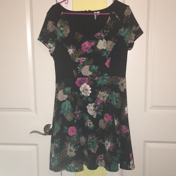 Elle Dresses & Skirts - Elle Black, Pink, & Teal Floral Dress